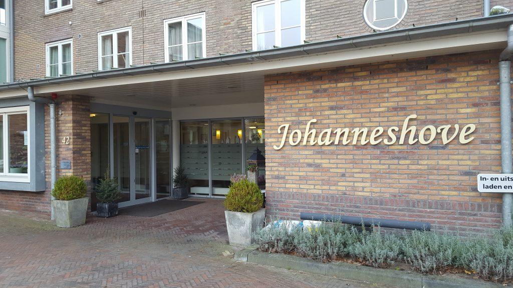 Ingang Pasfoto Laren bij Johanneshove